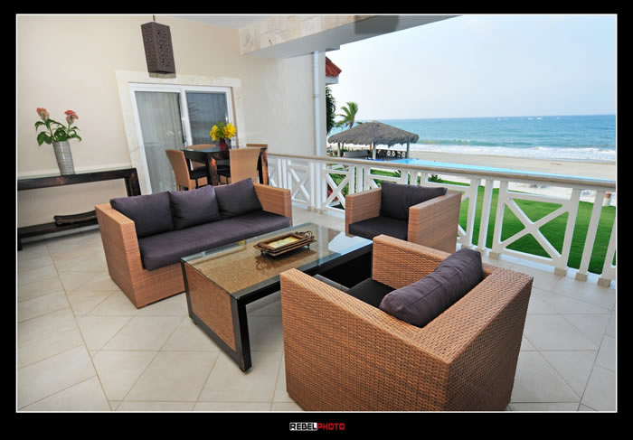 Beach front Luxury 4 Bedroom Condo at Harmony