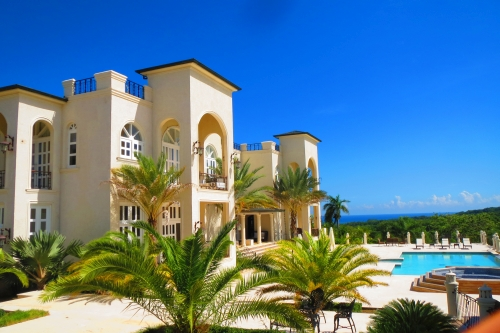 Extraordinary 10 Bedroom Mansion with Ocean View
